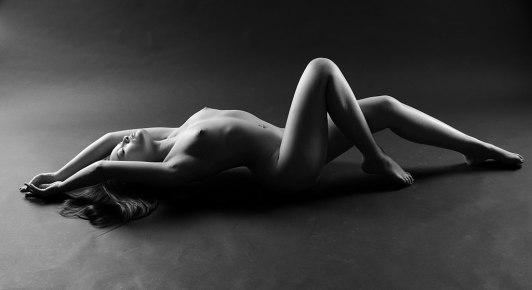 1024px-Nude_recumbent_woman_by_Jean-Christophe_Destailleur